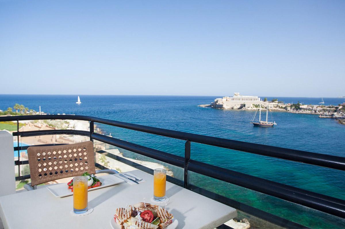 Marina Hotel At The Corinthia Beach